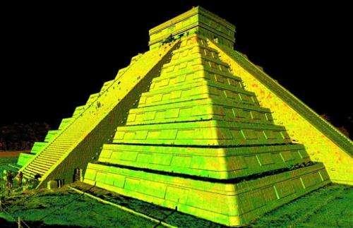 Group makes 3-D backups of world landmarks