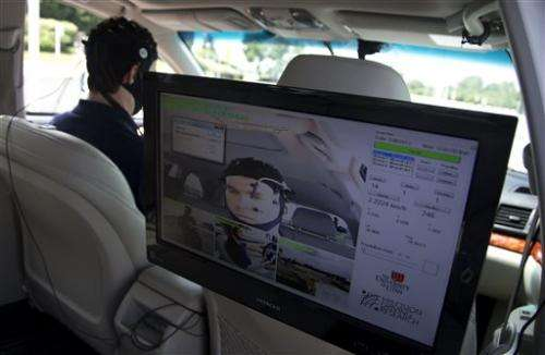 Hands-free texting still distracting for drivers