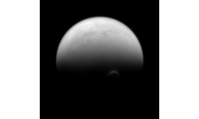 Image: Titan's sunlit edge