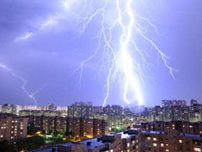 Lightning 'halos' could help track fierce thunderstorms