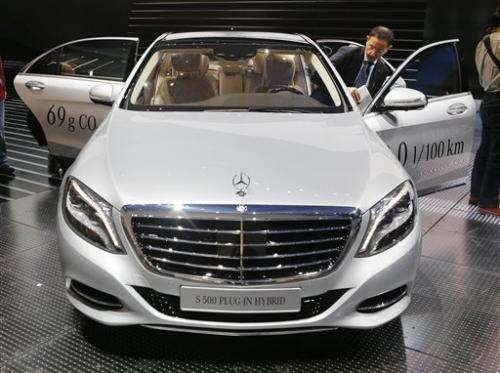 Mercedes offers luxury S-Class hybrid