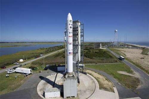NASA launches robotic explorer to moon