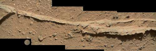 NASA rover inspects pebbly rocks at Martian waypoint
