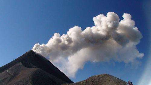 Studying mini earthquakes provides clues to volcanic behavior