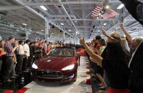 Tesla Model S gets Consumer Reports' top score