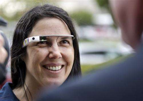 Woman fights ticket for driving with Google Glass