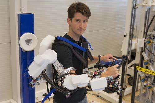 Exoskeleton to remote-control robot