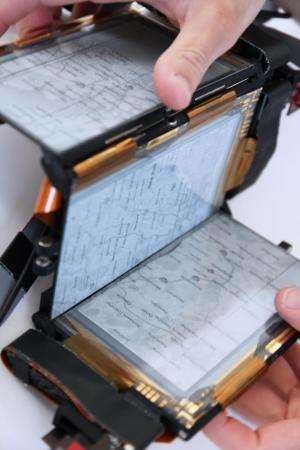 Human Media Lab introduces shape-changing smartphone  (w/ Video)