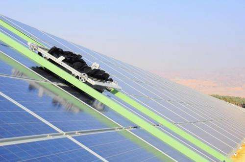 Negev desert solar field uses water-free robotic cleaning system