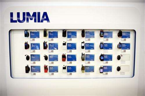 Nokia sees smartphone sales, profits plunge in Q4 (Update)