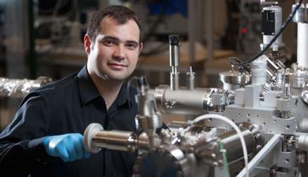 Physicists' findings improve advanced material