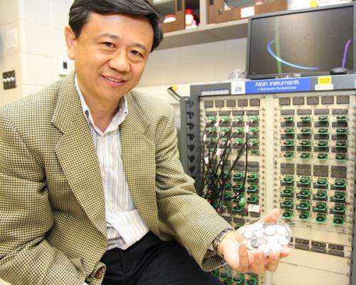 Professor charges toward better electric vehicle battery life