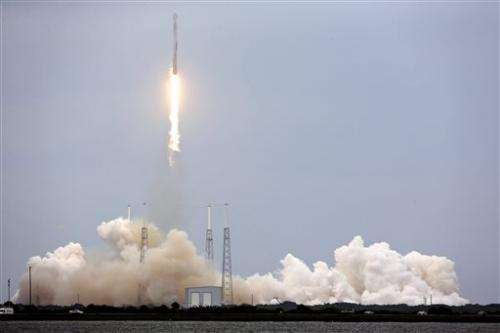 SpaceX launches supplies to space station (Update)