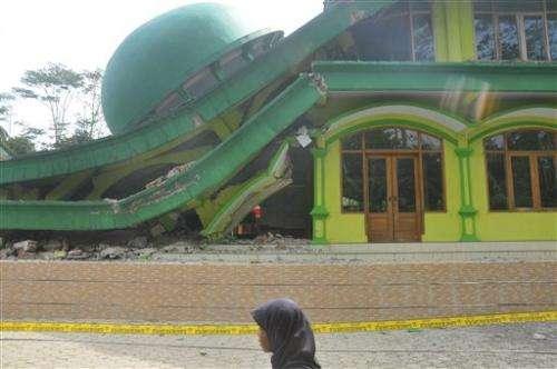 Strong earthquake rocks Indonesia's Java island