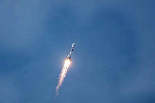 A Soyuz rocket carrying a pair of Galileo In-Orbit Validation satellites lifts off from Europe''s Spaceport in Sinnamary, 12km f
