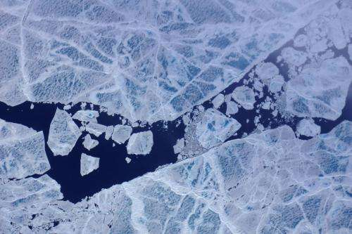 Melt ponds shine in NASA laser altimeter flight images
