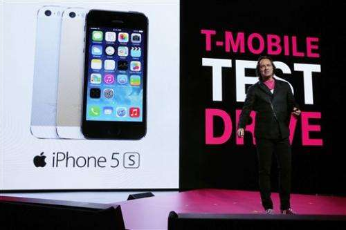 T-Mobile offers customers 7-day trial on iPhone 5S