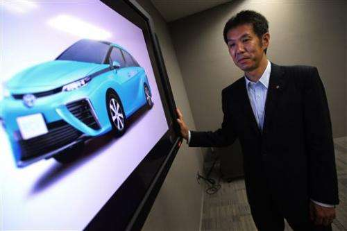 After hybrid success, Toyota gambles on fuel cell