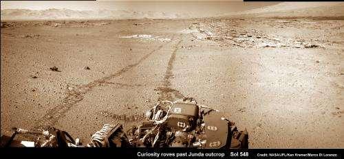 Curiosity rover captures spectacular Martian mountain snapshot