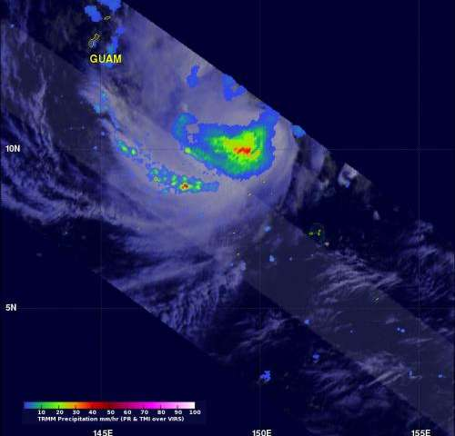 NASA's TRMM satellite sees some towering thunderstorms around Faxai's center