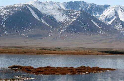 On the trail of Mongolian steppe lakes