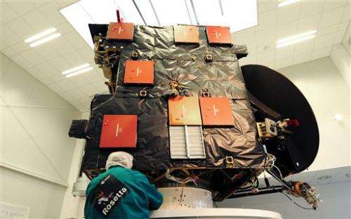 Rosetta сomet-chasing probe wakes up, signals Earth
