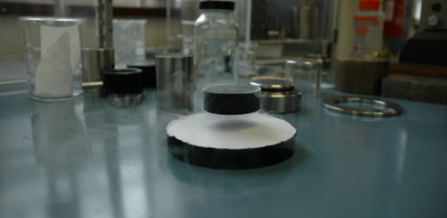 Cambridge team breaks superconductor world record