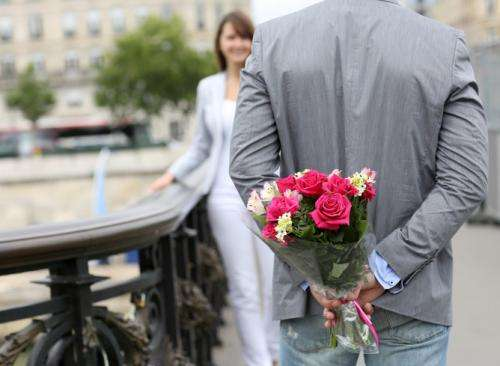 Flowers have powers to change men's dating prospects, studies suggest