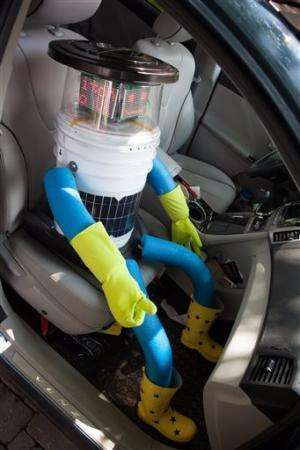 Hitchhiking robot travels across Canada (Update)