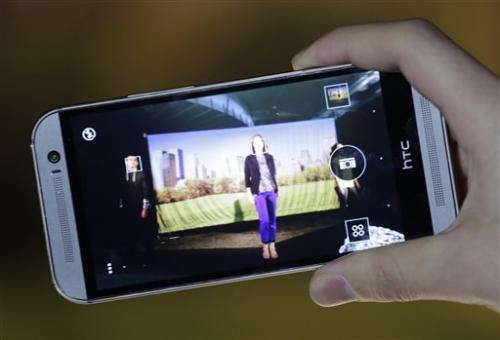 HTC updates One phone, emphasizes metal design (Update)