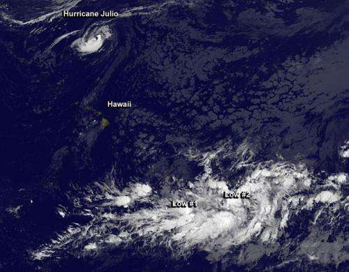 Hurricane Julio and 2 tropical lows 'bookend' Hawaii