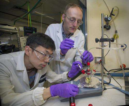 Ionic liquid boosts efficiency of CO2 reduction catalyst