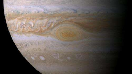 Jupiter's red spot is likely a sunburn, not a blush