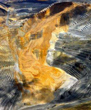 Mine landslide triggered quakes