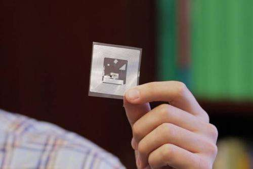 New cheap NFC sensor can transmit information on hazardous chemicals, food spoilage to smartphone