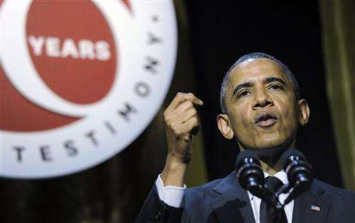 Obama taps tech world for cash amid privacy debate
