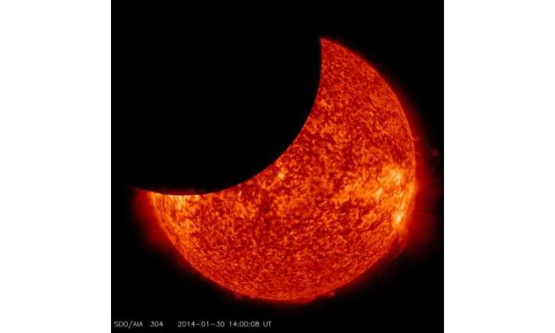 Solar Dynamics Observatory captures lunar transit