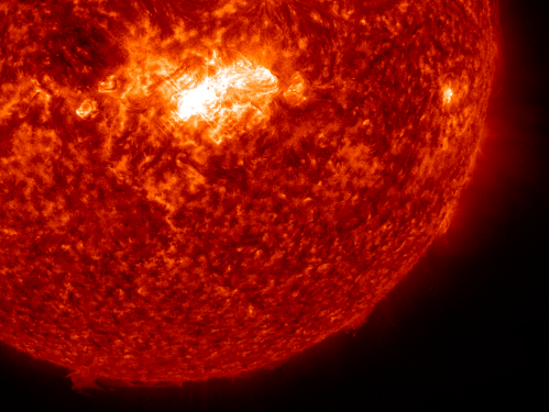 Sun spits out mid-level solar flare
