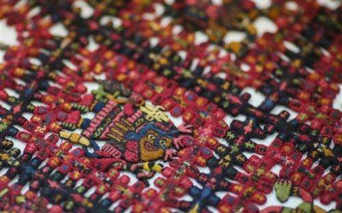 Sweden returns pre-Incan funeral shroud to Peru (Update)