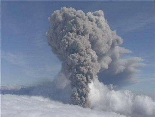 Tourists evacuated amid Iceland volcano concerns