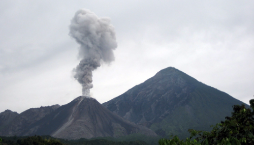 Volcanic ash can threaten air traffic