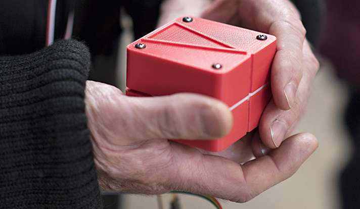 A shape-shifting navigation device for both the sighted and visually impaired (w/ Video)