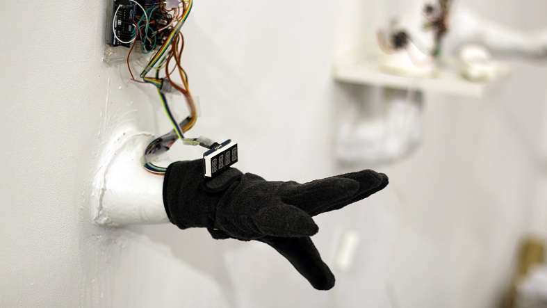Student's high-tech smart glove translates sign language into text and speech