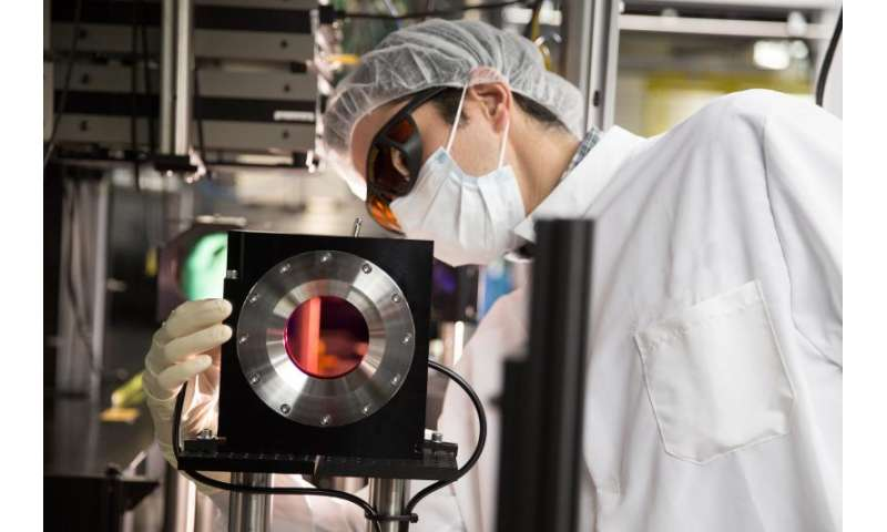 200-terawatt Laser Brings New Extremes in Heat, Pressure to X-ray Experiments