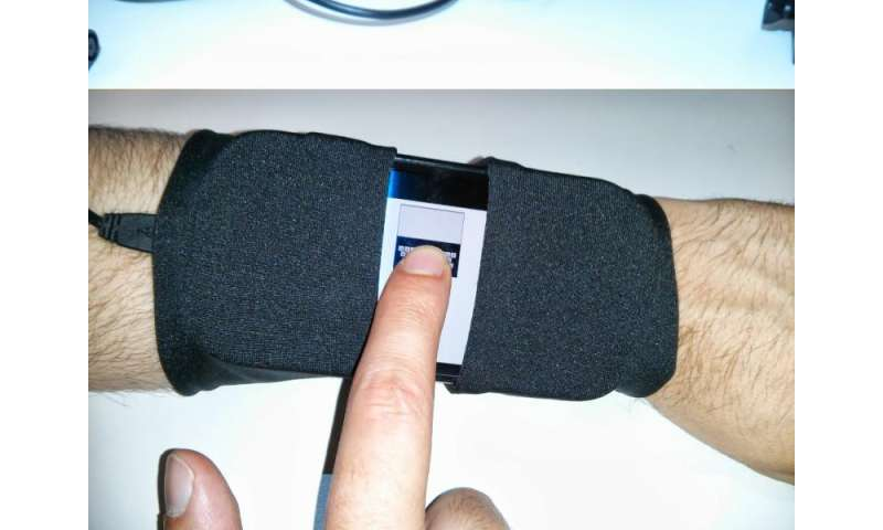 Researchers design new tiny QWERTY soft keyboards for wearable devices