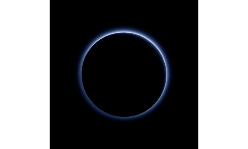 New Horizons encontra céus azuis e água gelada em Plutão