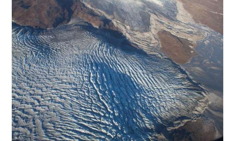 Crevassed glacier terminus in West Greenland / Sam Doyle