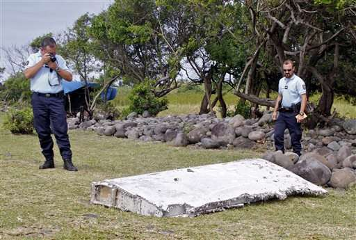 Search for Malaysian jet refocuses in southern Indian Ocean