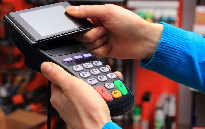 Could your contactless bank card be vulnerable to virtual pickpocketing?