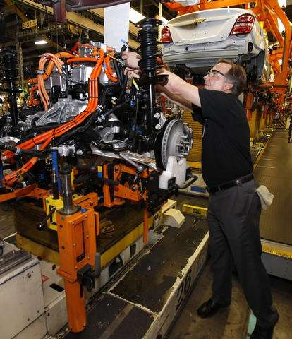 GM starts producing 200-mile electric Chevrolet Bolt